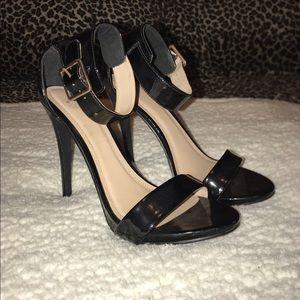 Delicious Black Shiny Stiletto Heels with Straps